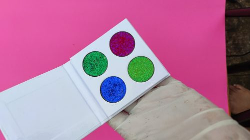 GG Cosmetics Four shades customised palette ( write 4 shade name on extra note ) photo review